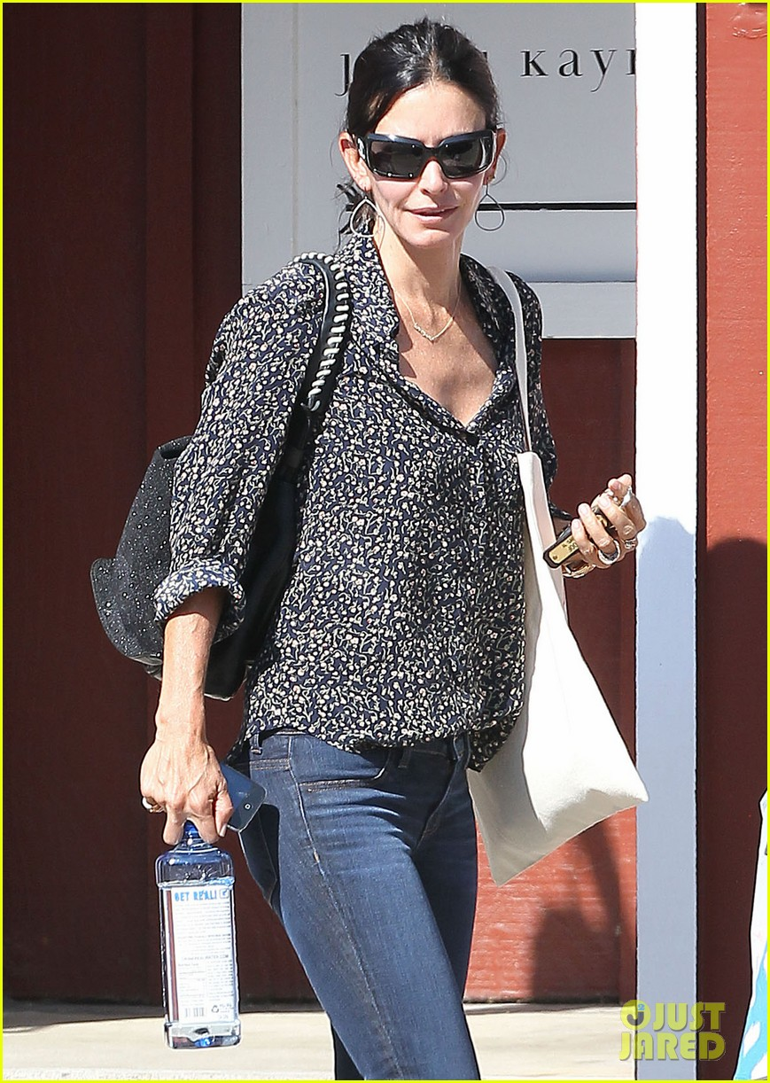 courteney cox kisses for coco 112714541