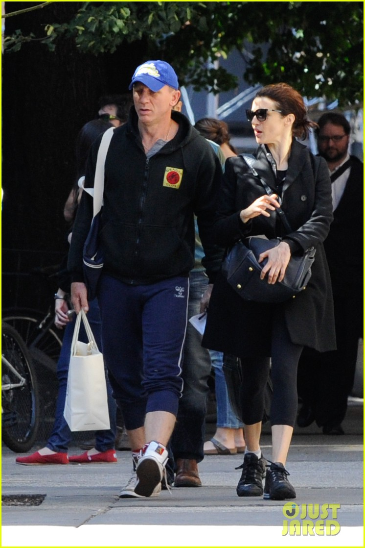 daniel craig rachel weisz big apple dinner with henry 042730344