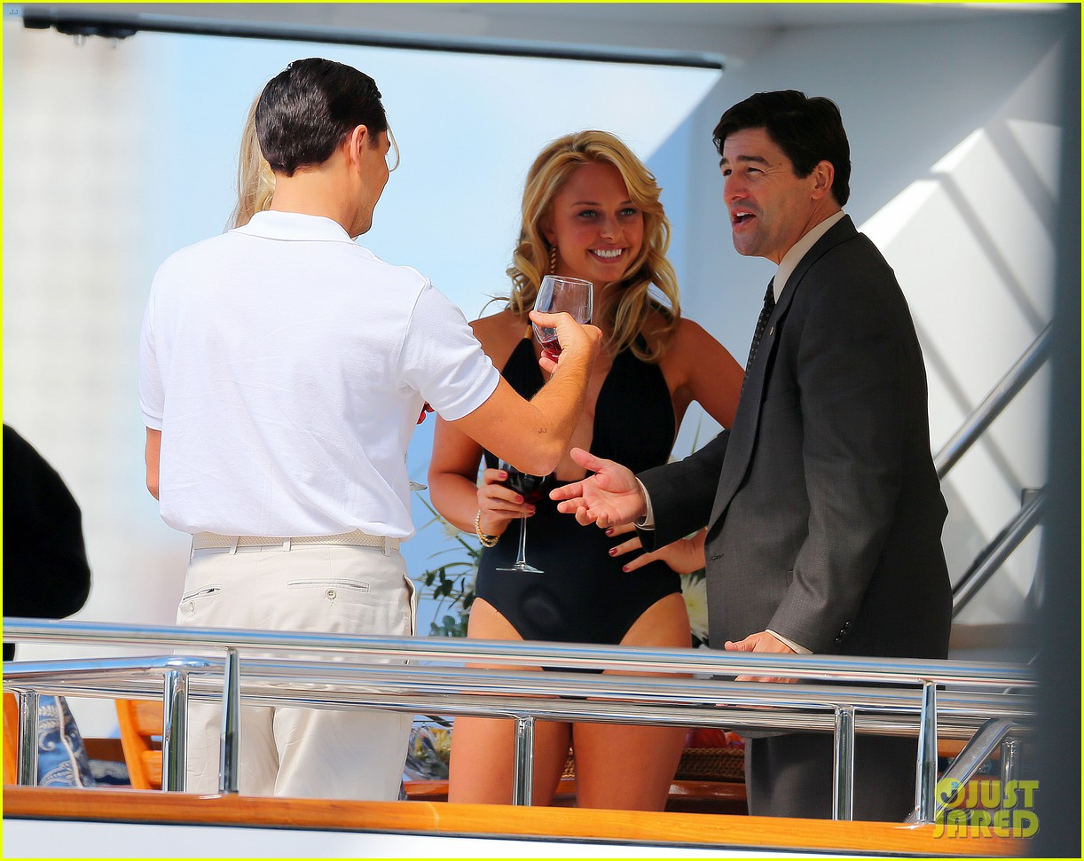leonardo dicaprio wolf of wall street set with kyle chandler 04
