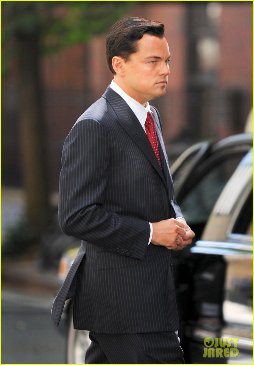 leonardo dicaprio wolf of wall street set with margot robbie 152728303