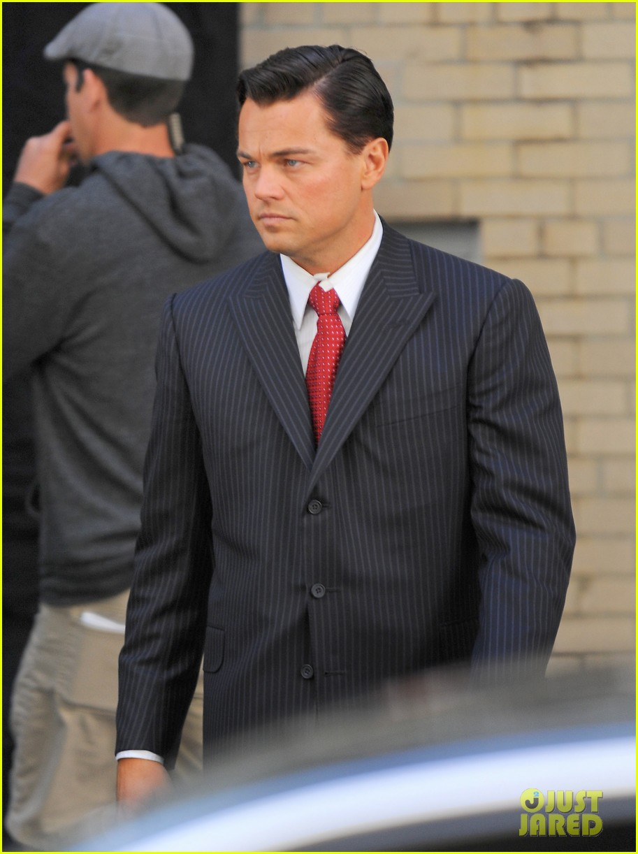 leonardo dicaprio wolf of wall street set with margot robbie 162728304
