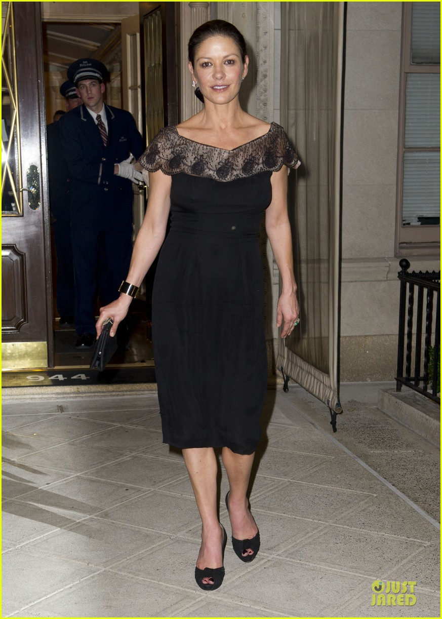 catherine zeta jones michael douglas birthday celebration 012728980