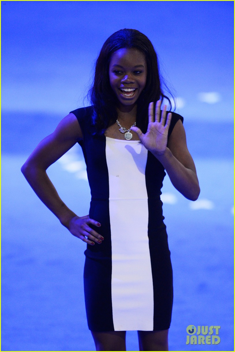alexis bledel gabby douglas democratic national convention 092714978