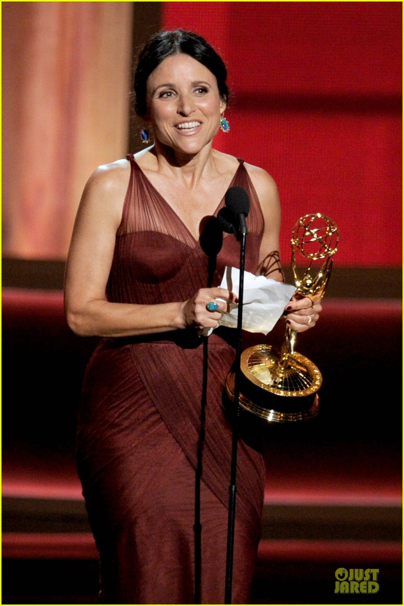 julia louis dreyfus anna chlumsky emmy awards 022727396
