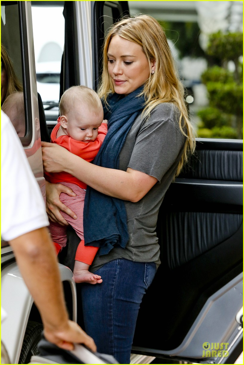 hilary duff ordering salad dressing on side depressing 062715310