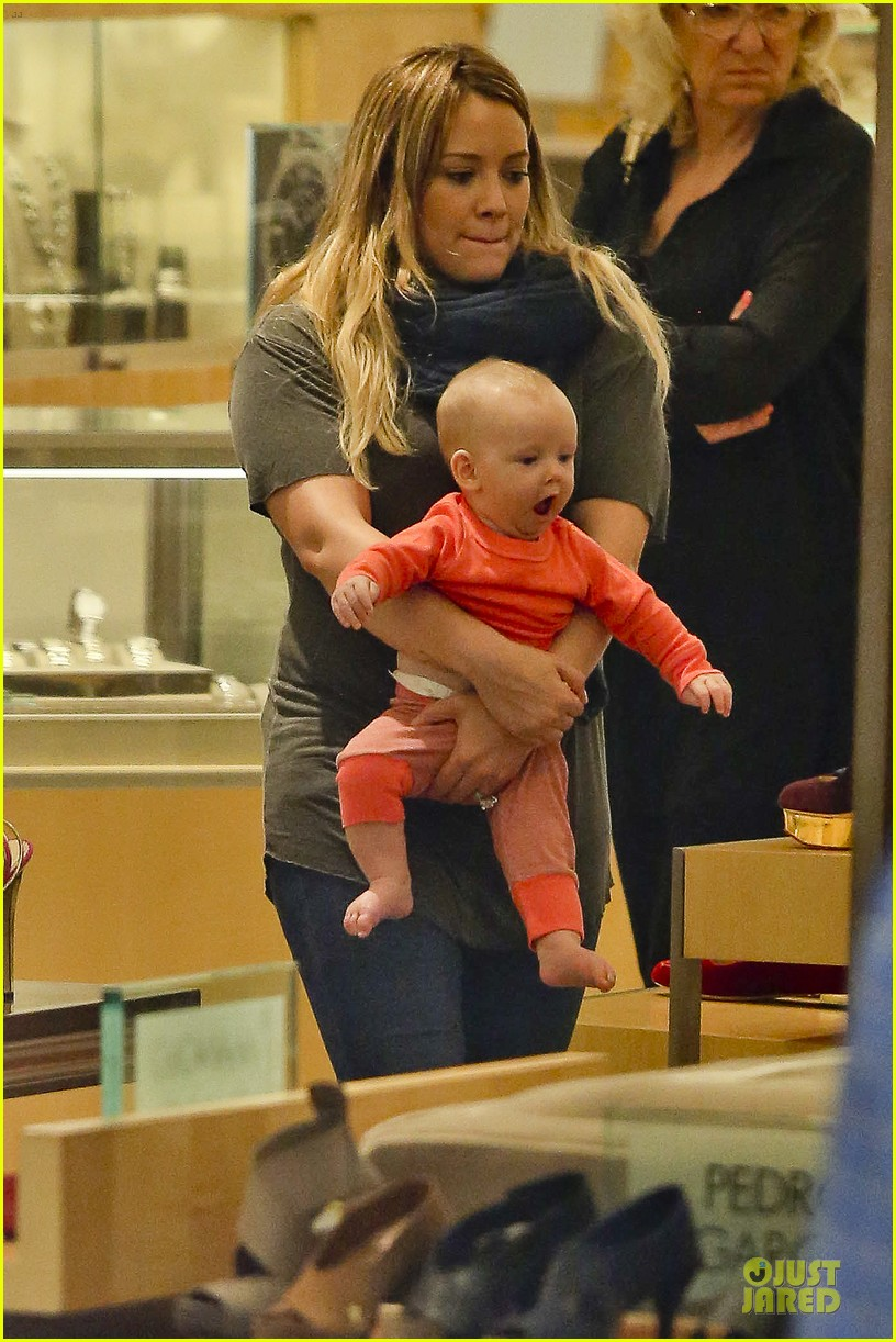 hilary duff ordering salad dressing on side depressing 122715316