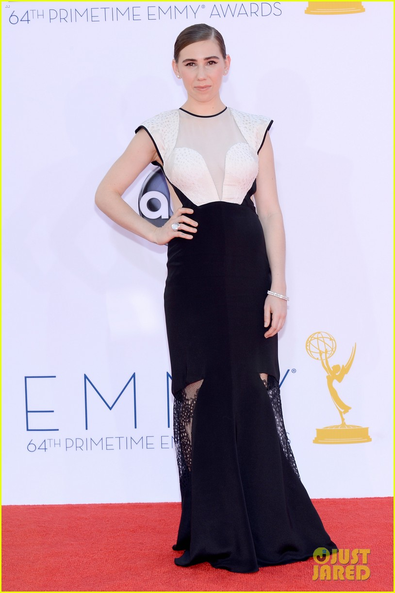 lena dunham allison williams emmys 2012 red carpet 03