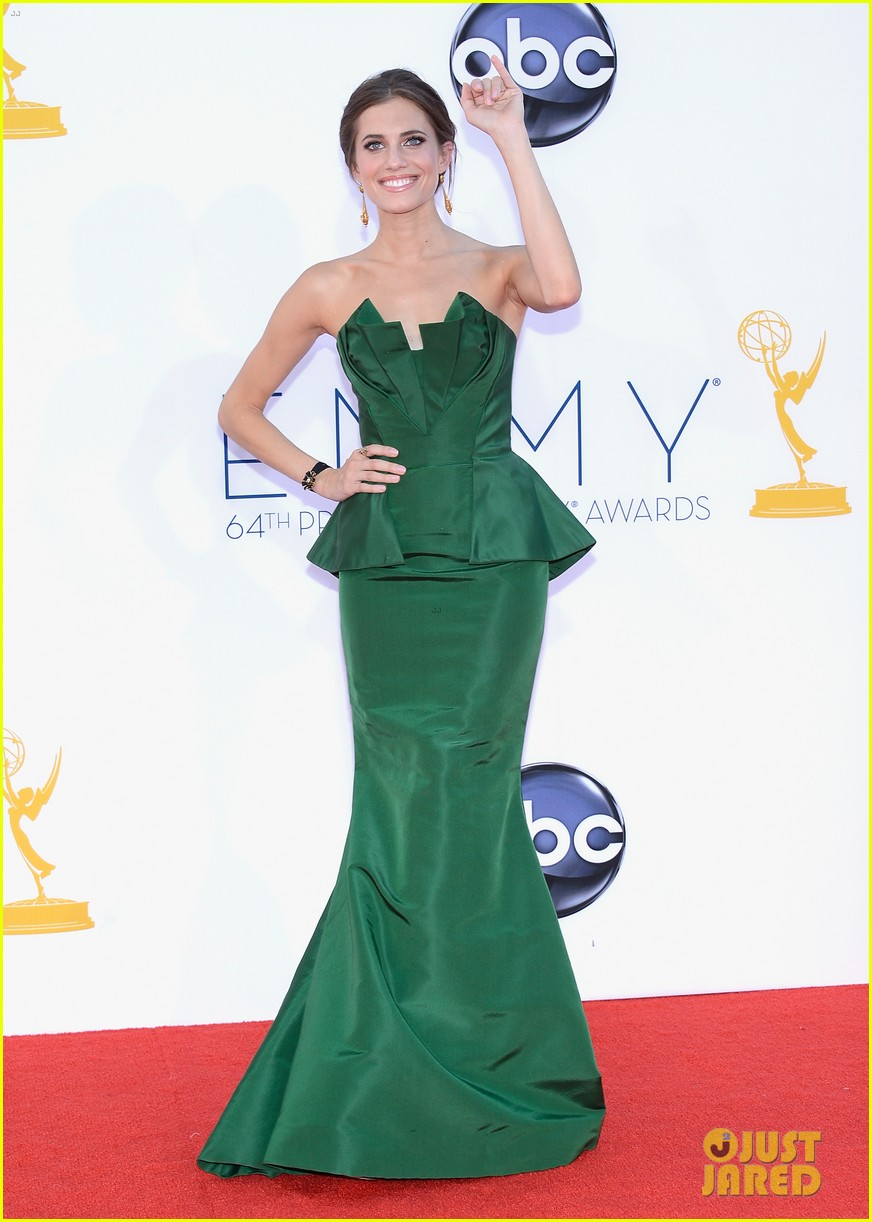 lena dunham allison williams emmys 2012 red carpet 11