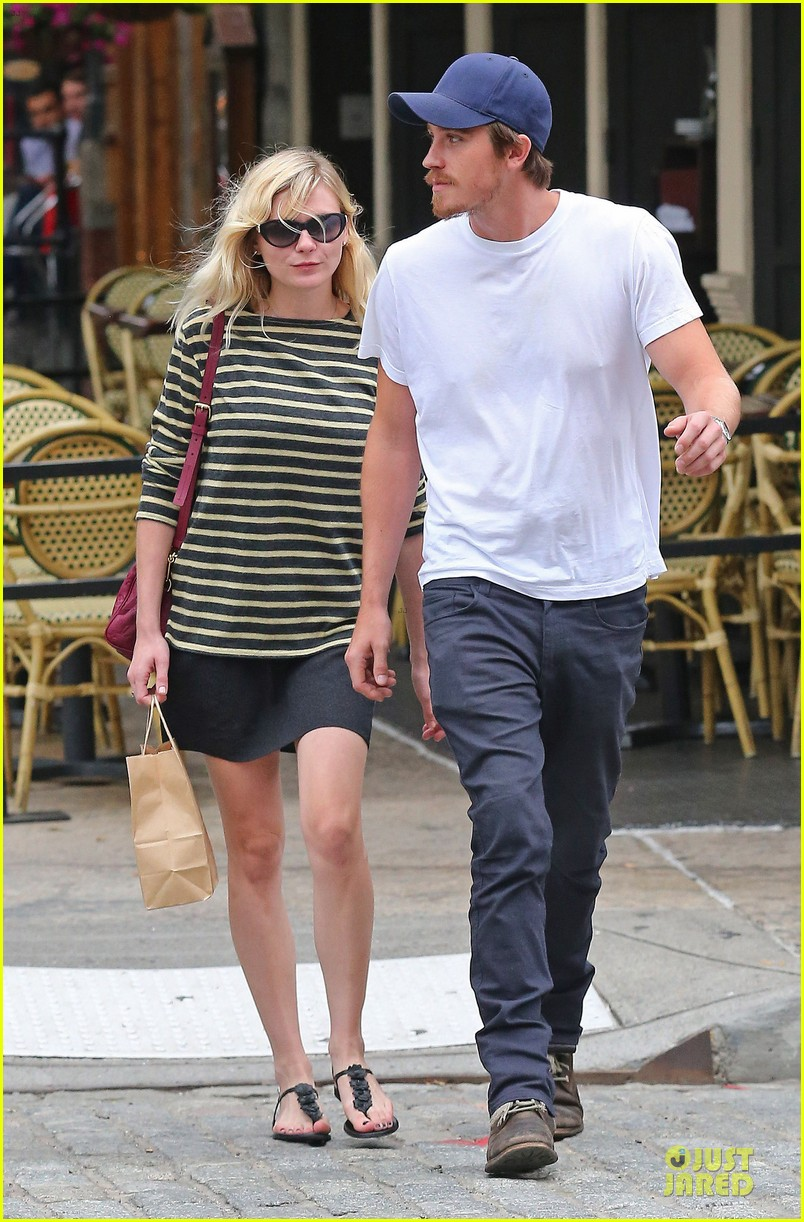 kirsten dunst garrett hedlund labor day new york 052713683