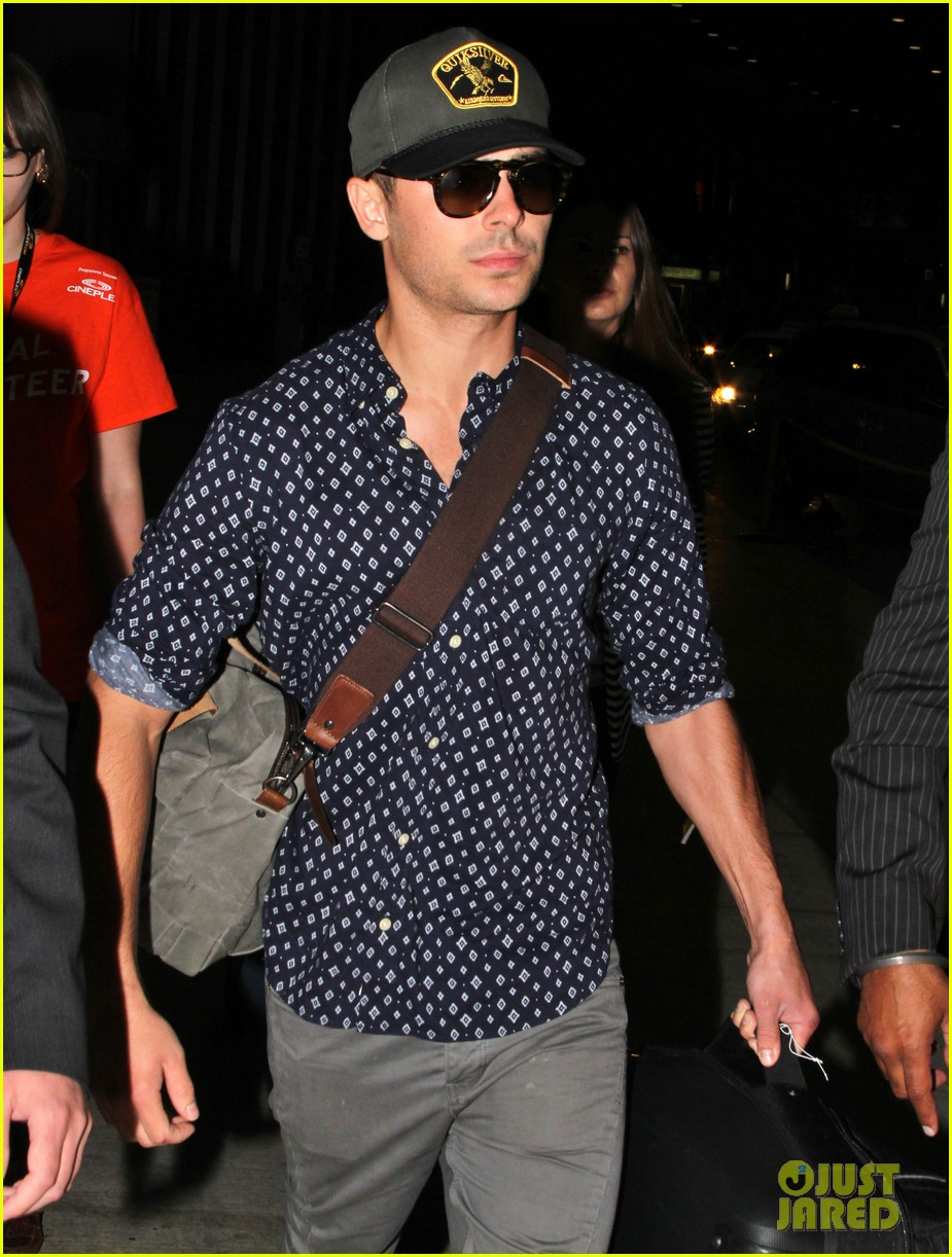 zac efron back to toronto for paperboy premiere 09