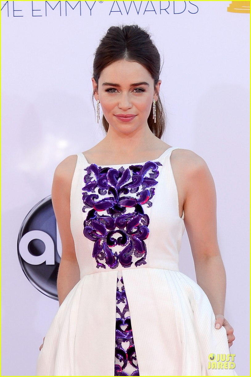 emilia clarke emmy awards 082727440