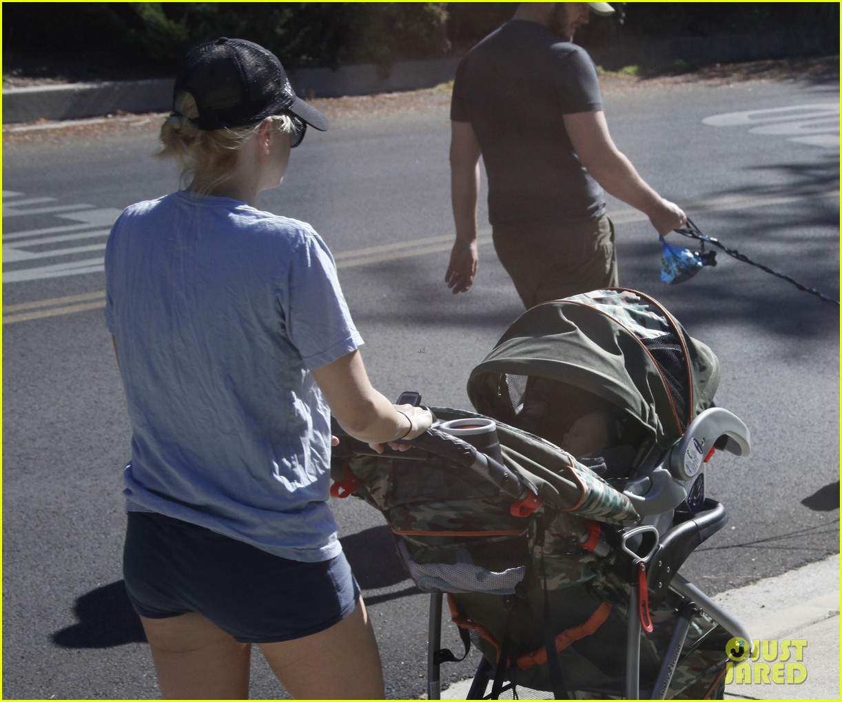 anna faris chris pratt strolling with baby jack 032730461