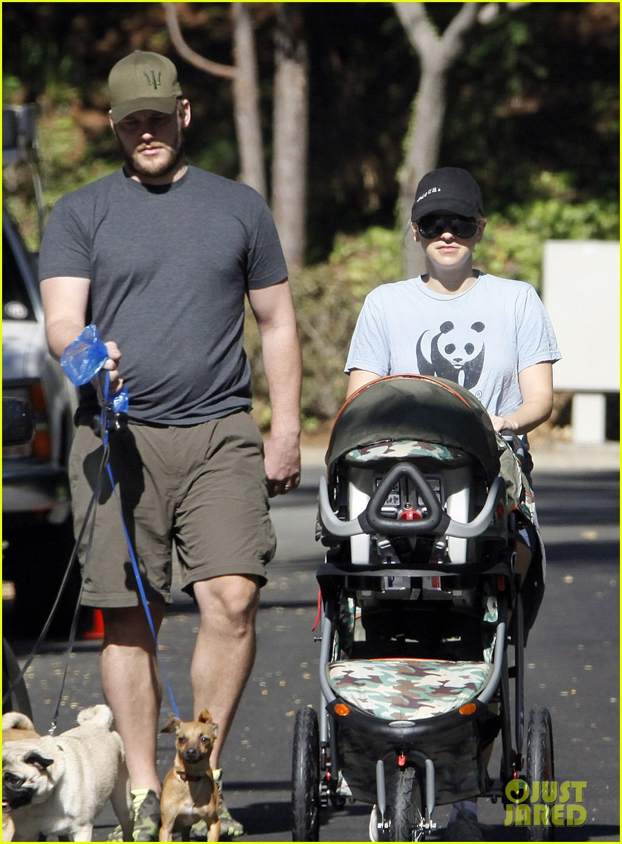 anna faris chris pratt strolling with baby jack 082730466