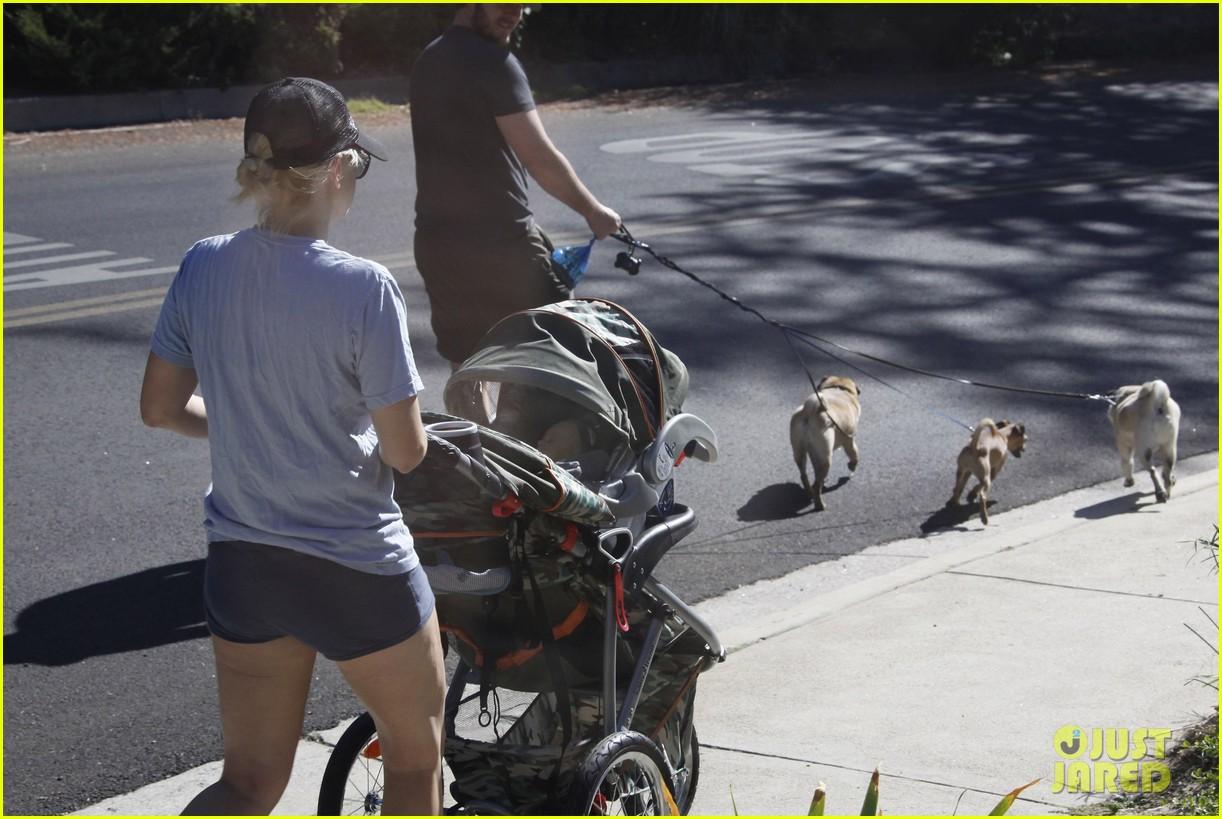anna faris chris pratt strolling with baby jack 162730474