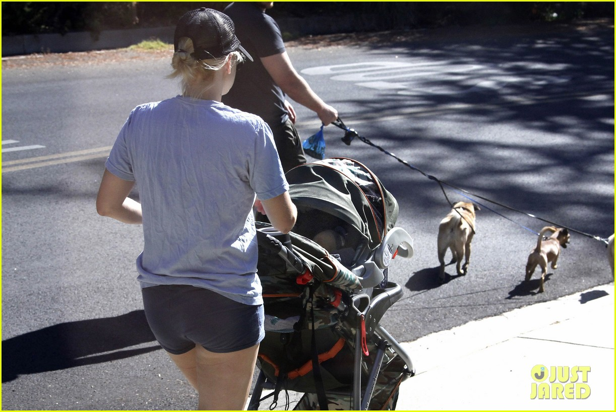anna faris chris pratt strolling with baby jack 172730475