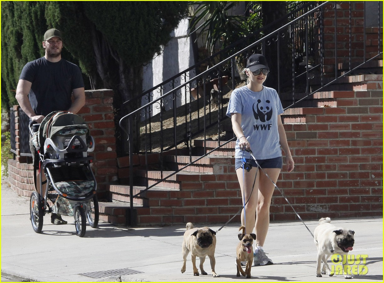 anna faris chris pratt strolling with baby jack 202730478