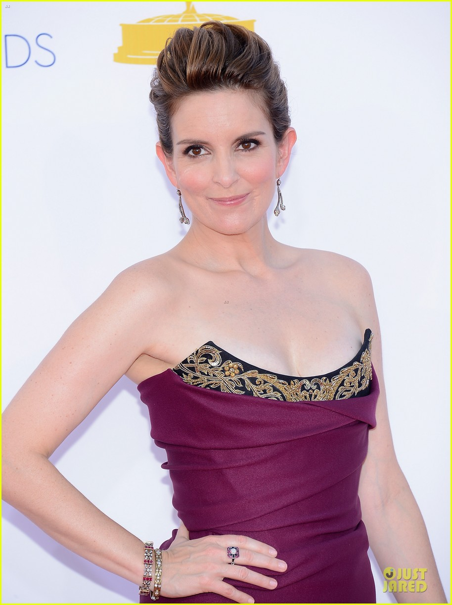 tina fey emmy awards 022727244