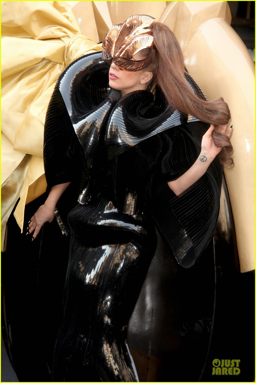 lady gaga macys fame launch 11