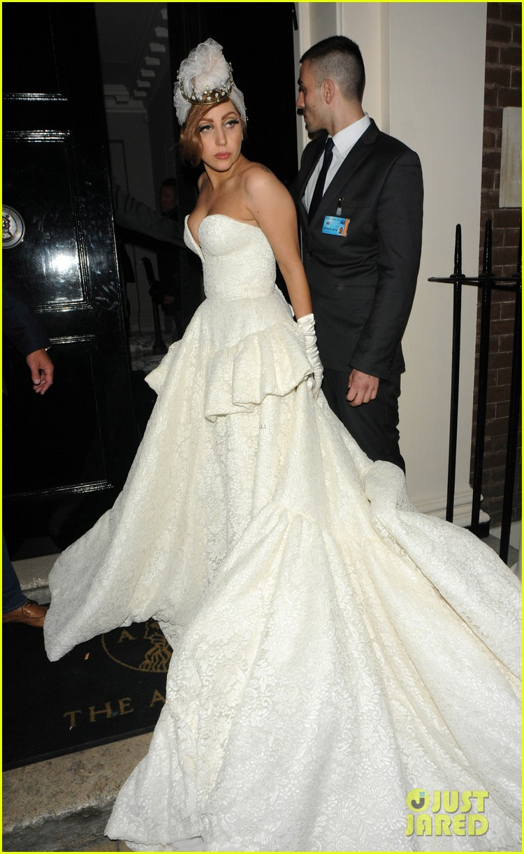 lady gaga wedding dress for paralympic games after party 10