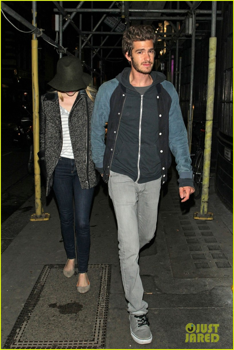 andrew garfield emma stone low profile in london 012729085