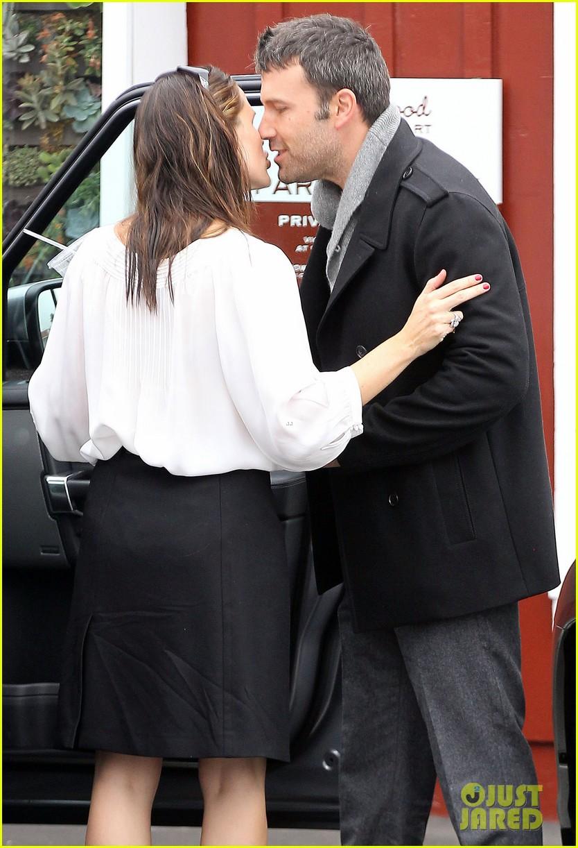 ben affleck jennifer garner kiss kiss 192720372