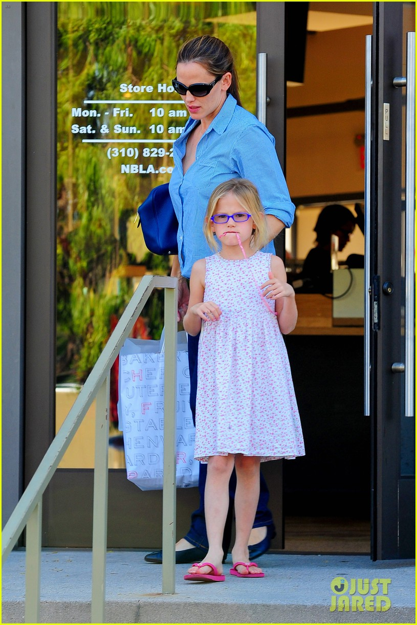 jennifer garner weekend outings with the kids 21