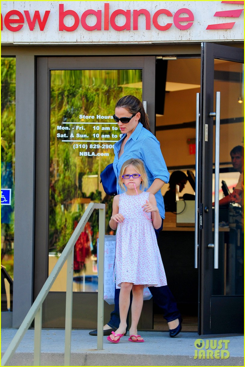 jennifer garner weekend outings with the kids 242728144