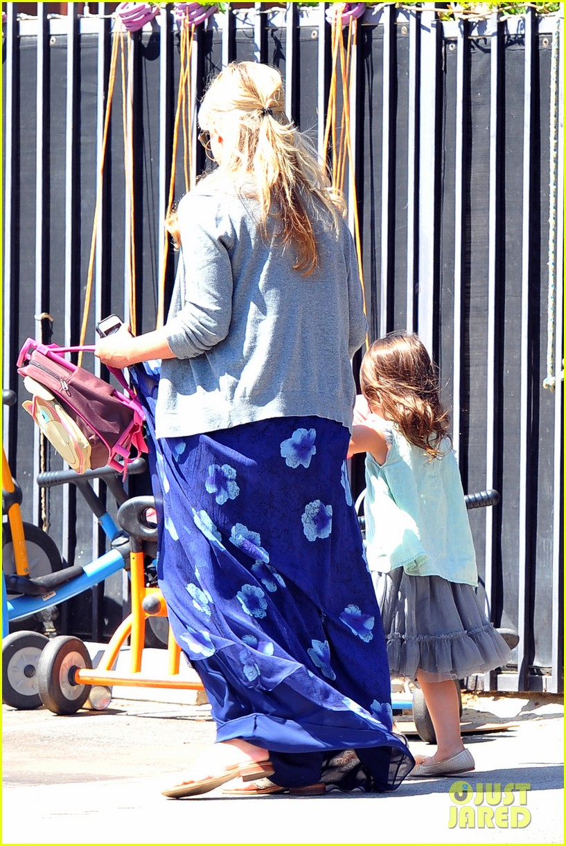 sarah michelle gellar day out with charlotte 022725189