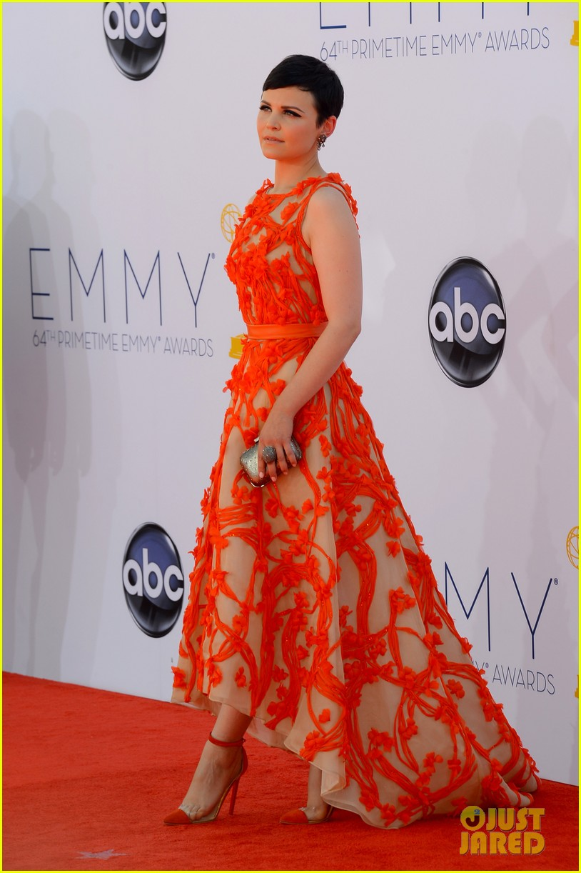 ginnifer goodwin emmy 2012 red carpet 032727147