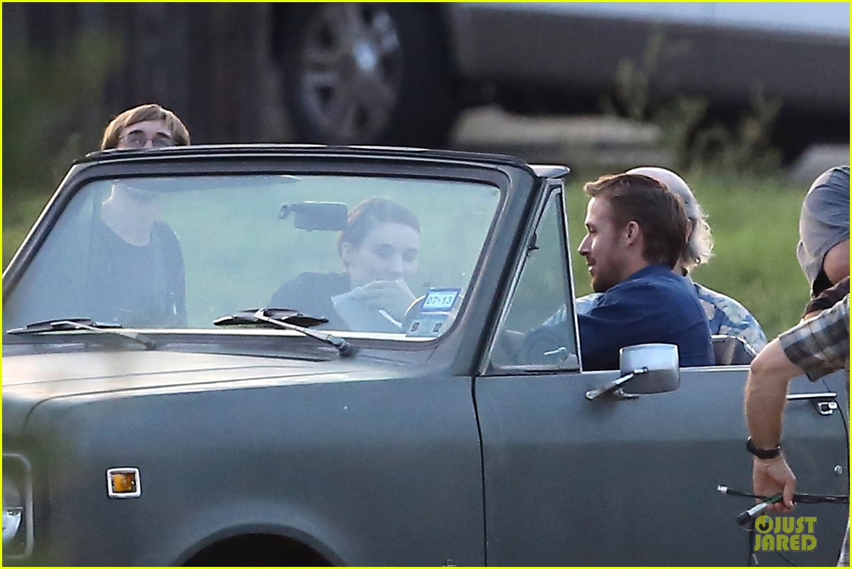 ryan gosling rock throwing malick set 02
