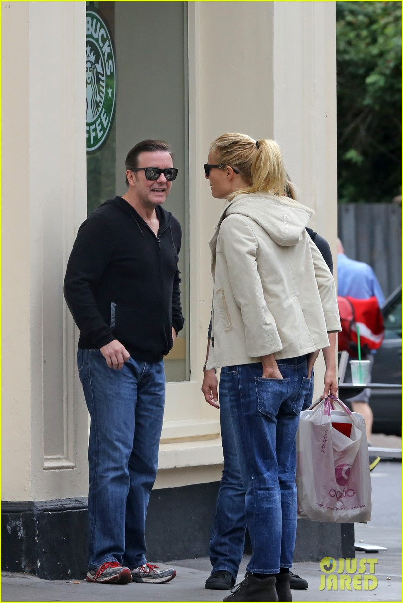 gwyneth paltrow starbucks apple moses 022712893