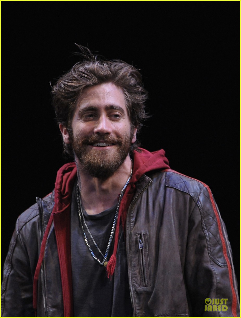 jake gyllenhaal if there is i havent found it 092725644