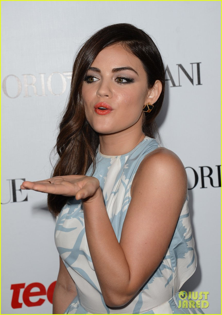 hailee steinfeld lucy hale vogue young hollywood party 022729771