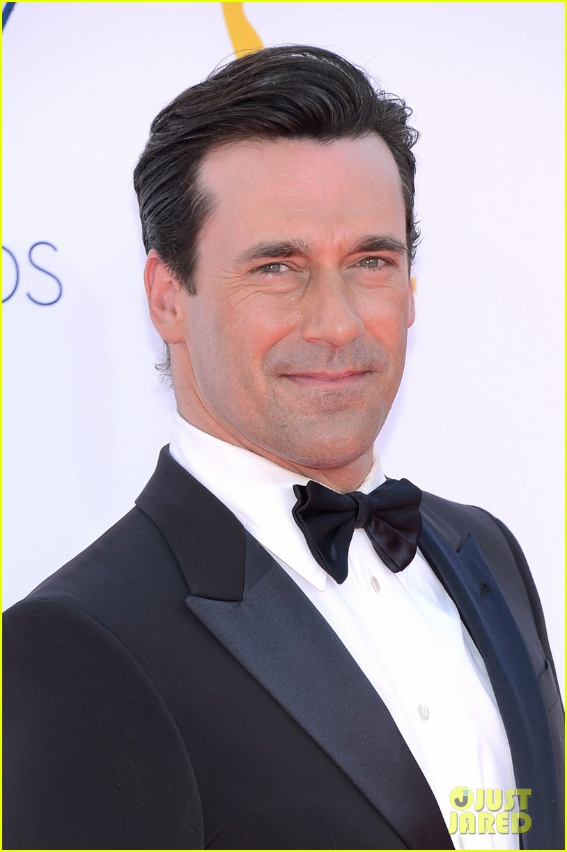 jon hamm jennifer westfeldt emmys 2012 red carpet 02