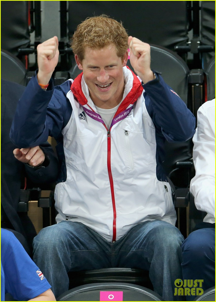 prince harry paralympics swimming spectator 042713782