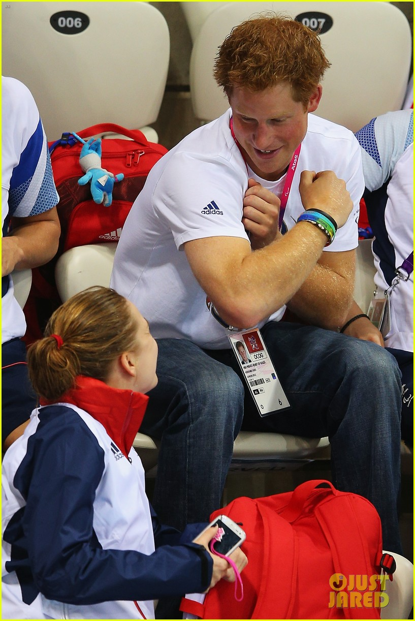 prince harry paralympics swimming spectator 052713783