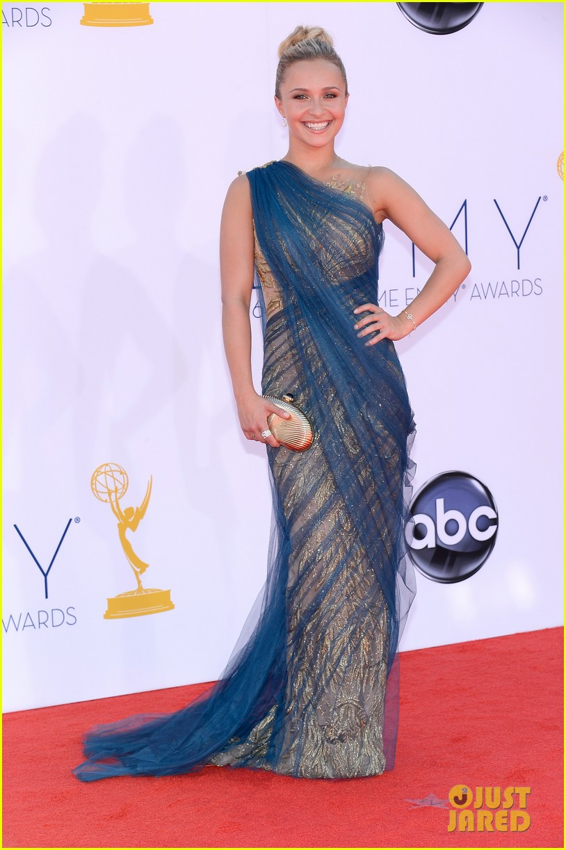 hayden panettiere connie britton emmys 2012 red carpet 032727168