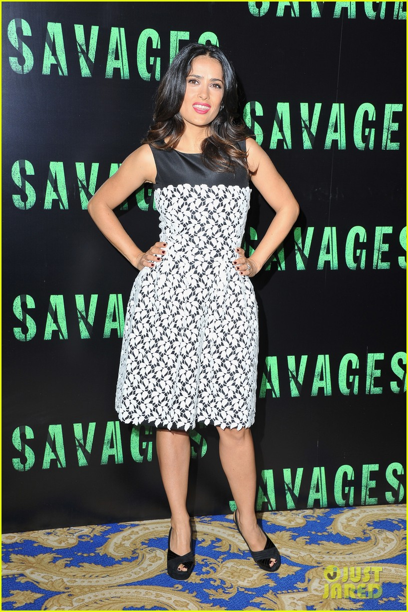 salma hayek savages photo call 06