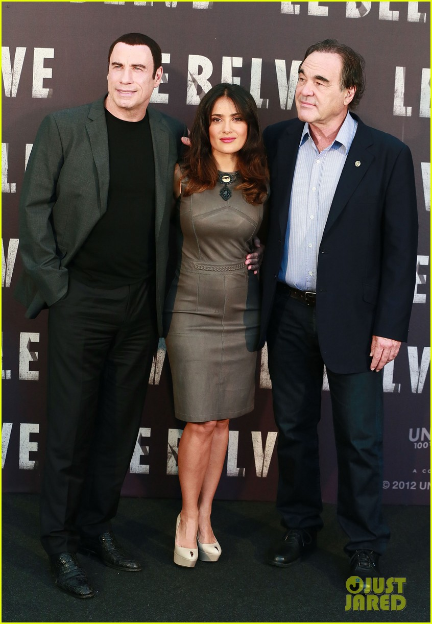 salma hayek savages rome photo call with john travolta 05