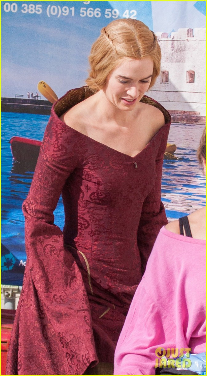 lena headey peter dinklage game of thrones season 3 set 02