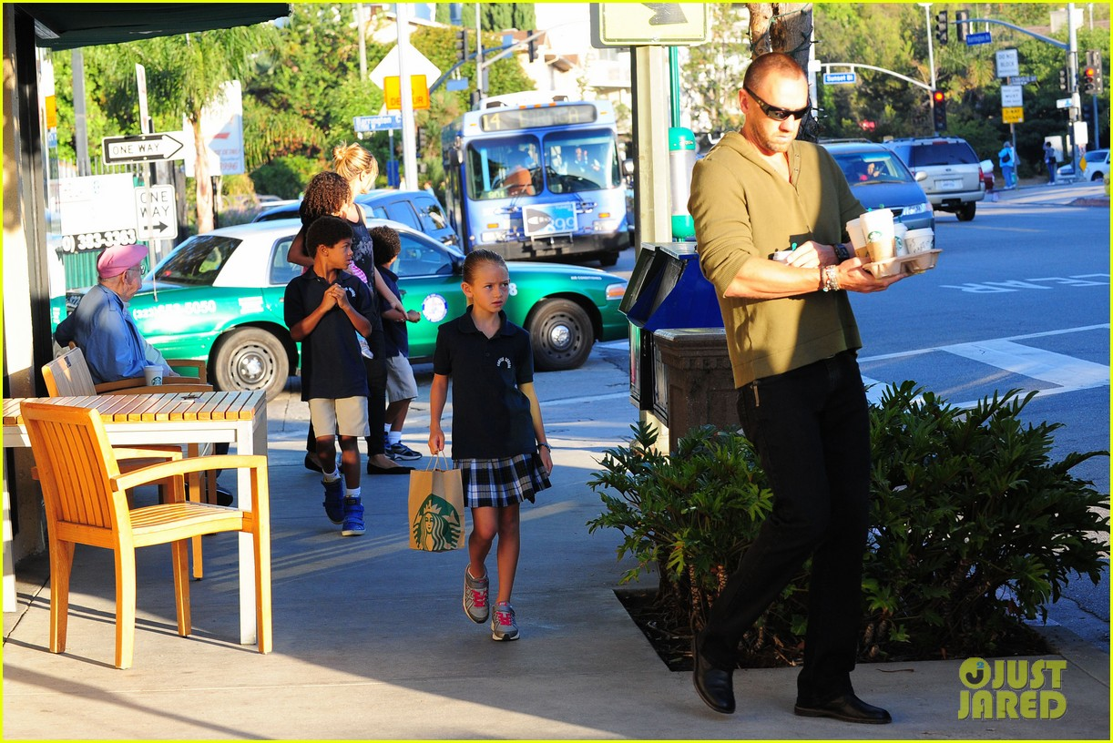 heidi klum starbucks run with kids 172725148