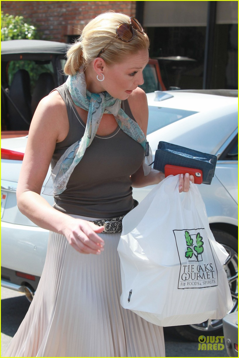 katherine heigl lax departure with mom 142718964