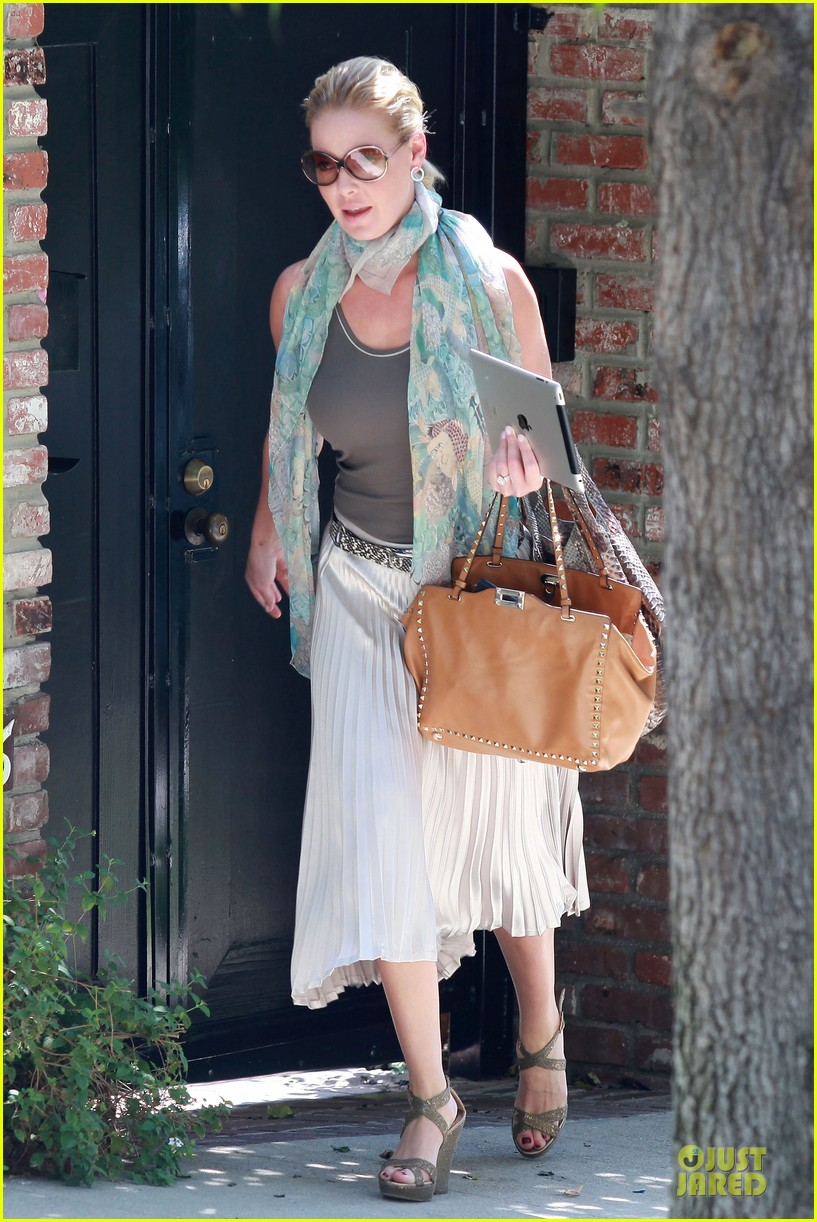 katherine heigl lax departure with mom 162718966