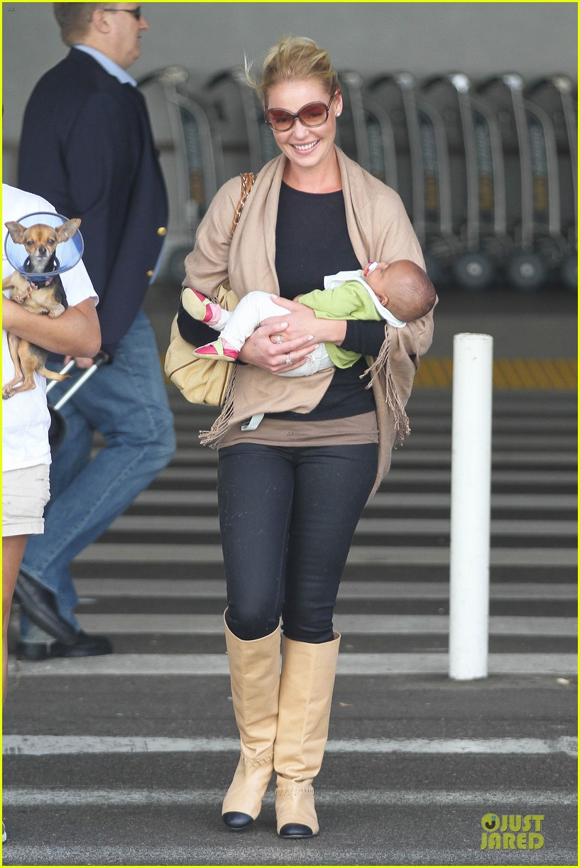 katherine heigl lax departure with mom 212718971