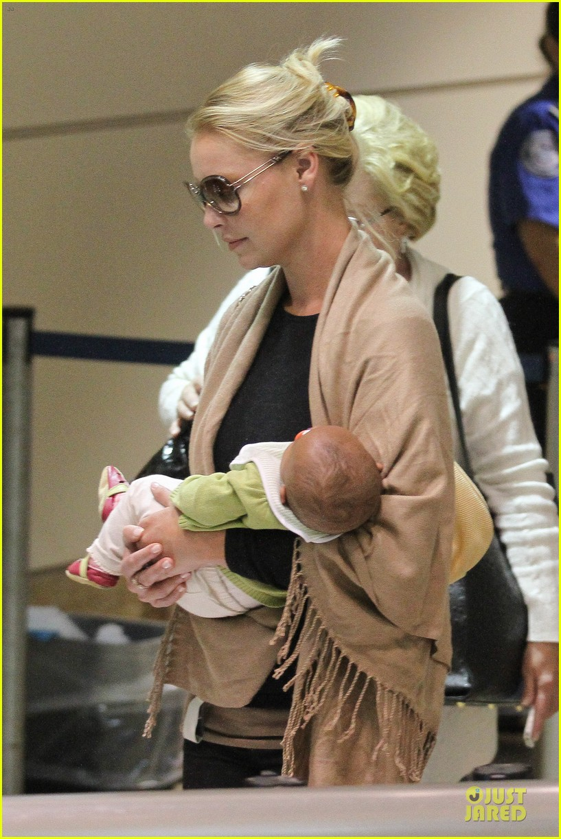katherine heigl lax departure with mom 252718975