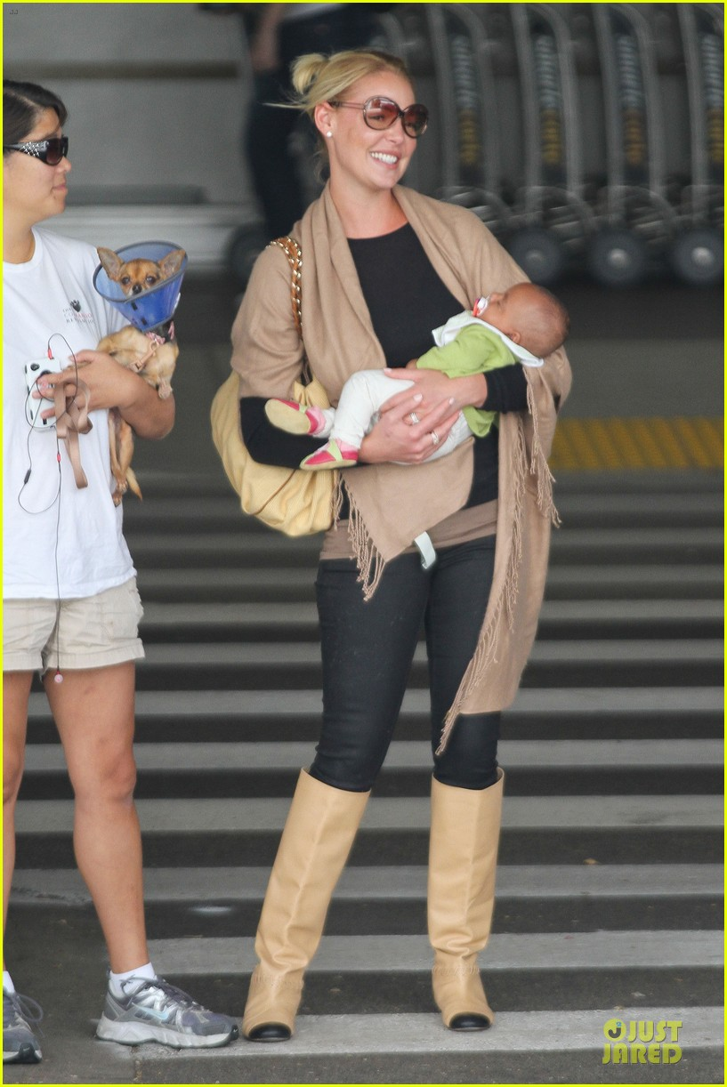 katherine heigl lax departure with mom 27