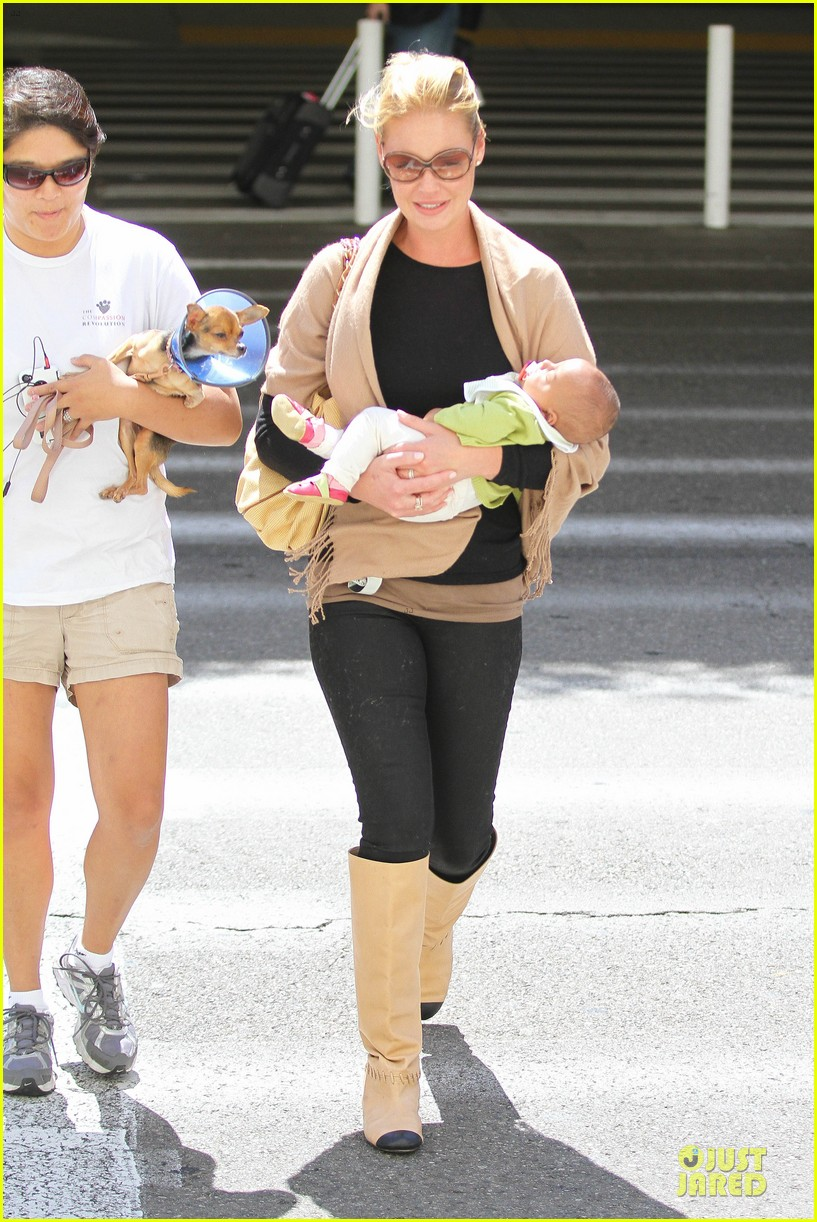 katherine heigl lax departure with mom 332718983