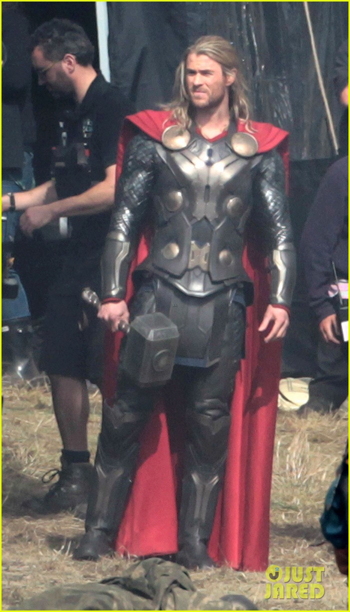 chris hemsworth thor 2 begins filming first set pics 012719370