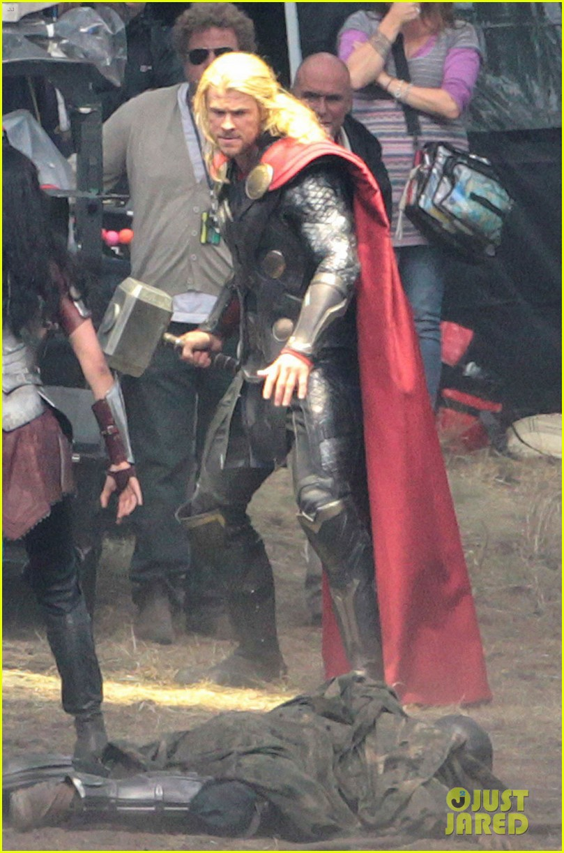 chris hemsworth thor 2 begins filming first set pics 02