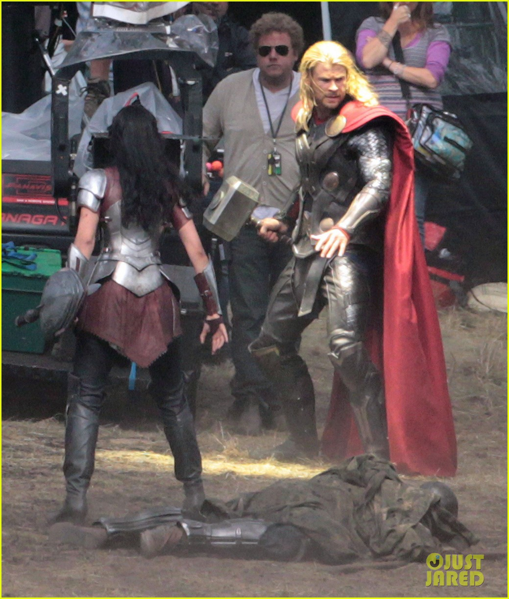 chris hemsworth thor 2 begins filming first set pics 082719377